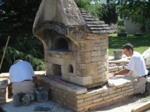 Mounting a bread oven