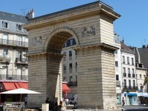 Guillaume Archway